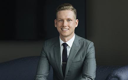 Image: Adrian Mikolajewski - Business Law Lawyer